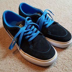 NIKE black suede skater style sneakers NEW